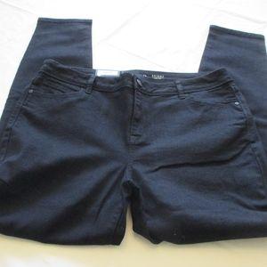 NWT - VERA WANG Skinny black jeans - sz 16 - $50.
